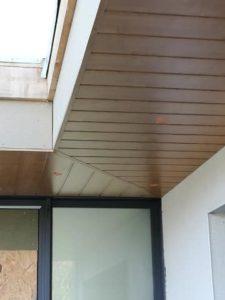 charpente lambris PVC deceunick chêne en sous face de débord de toit plougonvelin 2