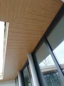 charpente lambris PVC deceunick chêne en sous face de débord de toit plougonvelin 7