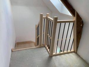 menuiserie intérieure escalier frêne barreaudage alu anthracite laiton landerneau (5)