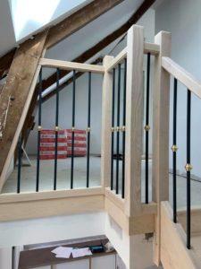 menuiserie intérieure escalier frêne barreaudage alu anthracite laiton landerneau (6)