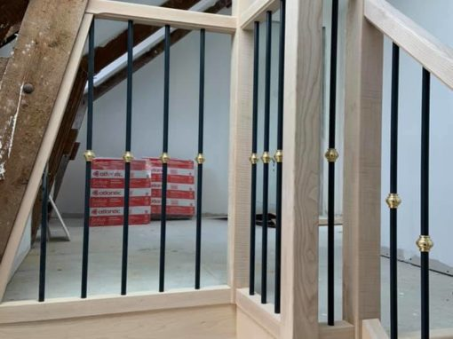 menuiserie intérieure escalier frêne barreaudage alu anthracite laiton landerneau (1)