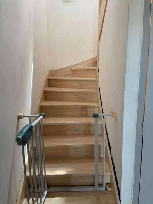 Remplacement d'un ancien escalier, plein de colle …